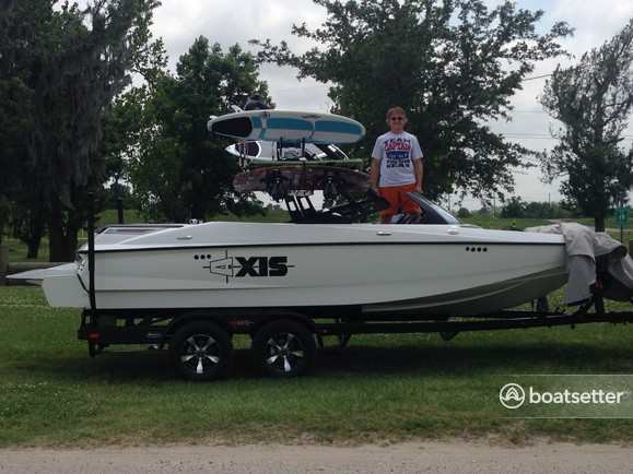 Rent a 2014 20 ft  Axis Wake Research A20 w/Trailer in Metairie, LA on  Boatsetter