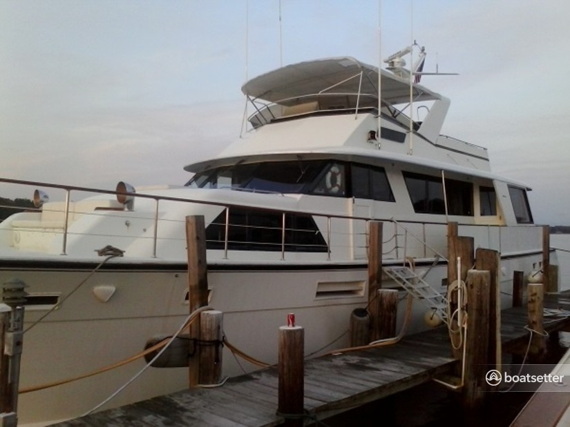 Rent a Hatteras Yachts motor yacht in Edgewater, MD near me