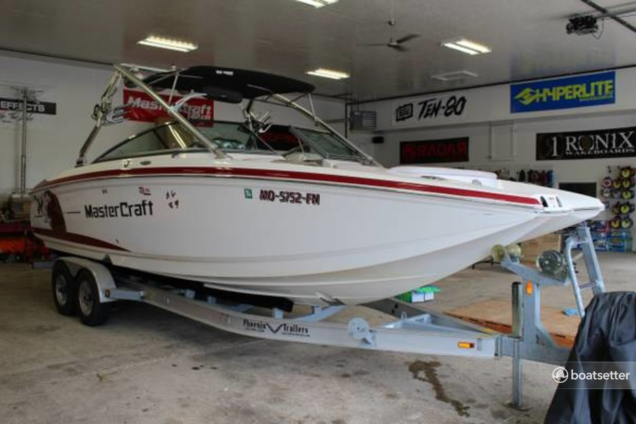 Rent a Mastercraft Boat Co ski and_wakeboard in Lincoln, NE near me