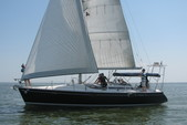 38 ft. Beneteau OCEANIS 390 1 AFT CAB/CU Cruiser Boat Rental N Texas Gulf Coast Image 7