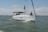 36 ft. Hunter HUNTER 36 Cruiser Boat Rental N Texas Gulf Coast Image 3