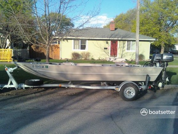 Rent a Roughneck by Lowe jet boat in Helena, MT near me