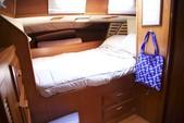 40 ft. Endeavour Cat 40 Cruiser Boat Rental Chicago Image 7