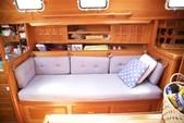 40 ft. Endeavour Cat 40 Cruiser Boat Rental Chicago Image 6