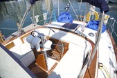 40 ft. Endeavour Cat 40 Cruiser Boat Rental Chicago Image 2