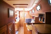 40 ft. Endeavour Cat 40 Cruiser Boat Rental Chicago Image 5