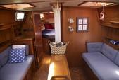 40 ft. Endeavour Cat 40 Cruiser Boat Rental Chicago Image 4