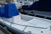22 ft. Twin Vee Catamarans 22' Classic w/175HP Suzuki Catamaran Boat Rental Miami Image 1