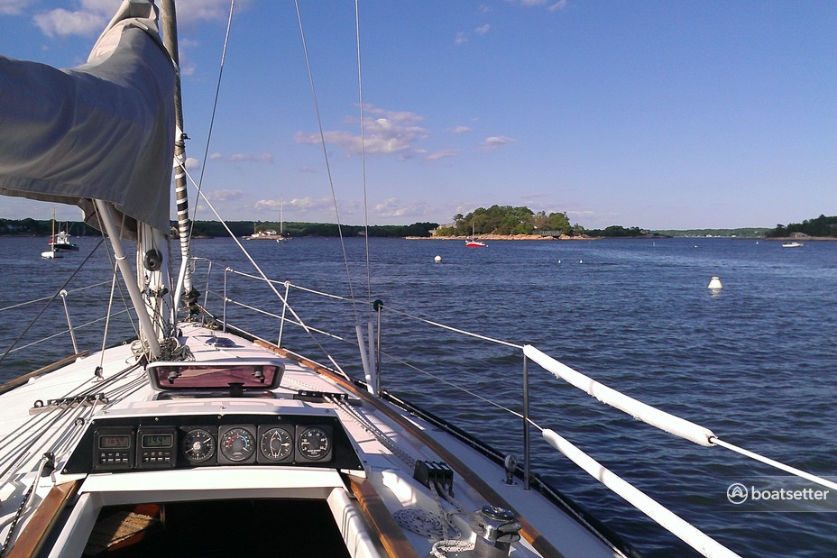 Rent a Dufour Yachts cruiser racer in Branford, CT near me