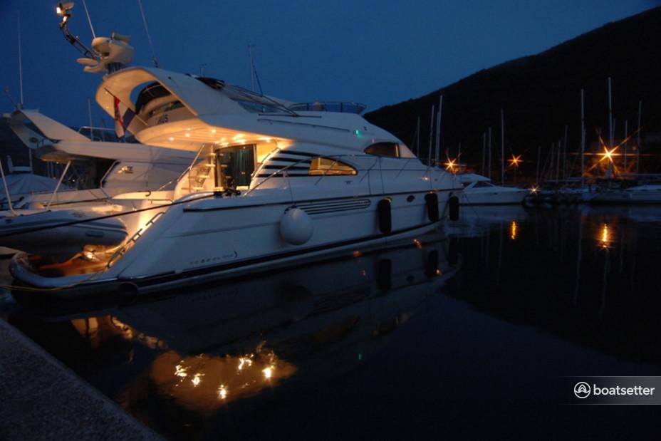 Rent a Fairline Boats motor yacht in Lozica, Dubrovačko-neretvanska županija near me