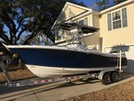 24 ft. Sea Hunt 236 Center Console Boat Rental Charleston Image 5