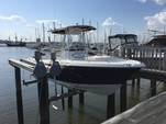 24 ft. Sea Hunt 236 Center Console Boat Rental Charleston Image 4