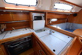 34 ft. Cruise Boats 34 Cabin Cruiser Cruiser Boat Rental Lefkada Image 6