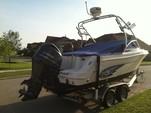 22 ft. Robalo 227 DC w/F250XCA Bow Rider Boat Rental N Texas Gulf Coast Image 3