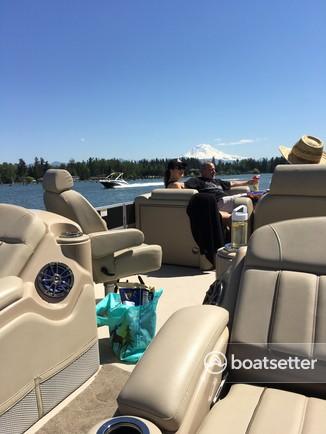 Rent a Sartcraft pontoon in Bonney Lake, WA near me