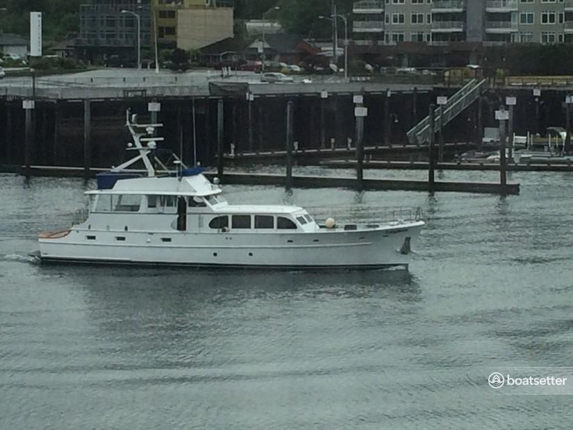 Rent a Burger motor yacht in Seattle, WA near me