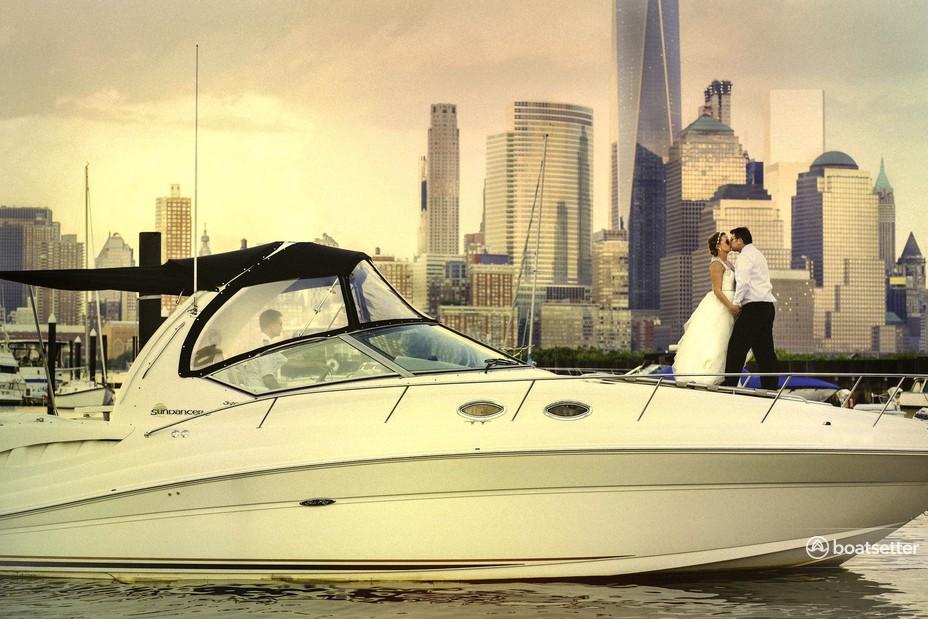 Rent a Sea Ray Boats cruiser in Jersey City, NJ near me