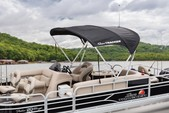 22 ft. Sun Tracker by Tracker Marine Party Barge 20 DLX w/90ELPT 4-S Pontoon Boat Rental Phoenix Image 1