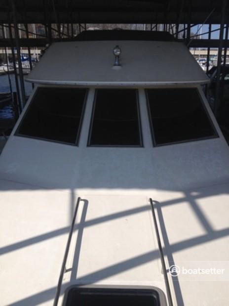 Rent a Sea Ray Boats motor yacht in Saint Ann, MO near me
