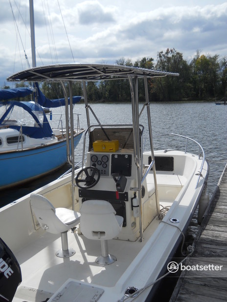 Rent a Key West Boats center console in Catskill, NY near me