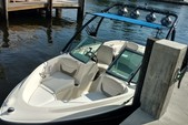 18 ft. Bayliner 175 BR  Bow Rider Boat Rental Miami Image 4