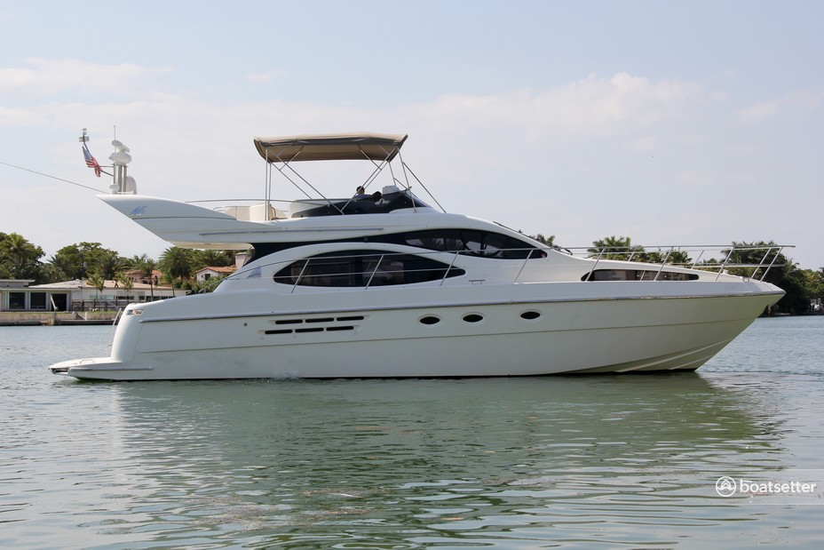 Rent a Azimut Yachts flybridge in Miami Beach, FL near me