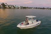 22 ft. Pro Line Boat Co 22 WALKAROUND Center Console Boat Rental Miami Image 8