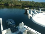 24 ft. Everglades 243 CC Center Console Boat Rental Hawaii Image 13