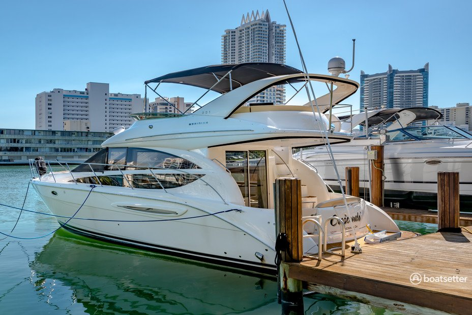 Rent a Meridian Yachts flybridge in Miami Beach, FL near me