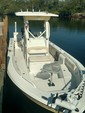 24 ft. Everglades 243 CC Center Console Boat Rental Hawaii Image 5