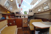 26 ft. Hunter 25.5 Cruiser Boat Rental Washington DC Image 2