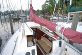 26 ft. Hunter 25.5 Cruiser Boat Rental Washington DC Image 16
