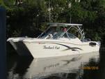 29 ft. World Cat Boats 290DC Dual Console w/2-250HP Catamaran Boat Rental Miami Image 1