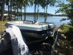20 ft. Four Winns Boats 200 Candia Deck Boat Boat Rental Washington DC Image 3