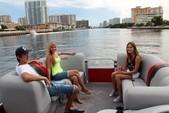 22 ft. Encore Bentley Bentley Encore 220 Cruise Cruiser Boat Rental Miami Image 4