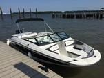 24 ft. Sea Ray Boats 21 SPX w/150 EFI 4-S  Bow Rider Boat Rental Charleston Image 2
