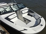 24 ft. Sea Ray Boats 21 SPX w/150 EFI 4-S  Bow Rider Boat Rental Charleston Image 4