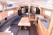 36 ft. Beneteau Oceanis 35 Cruiser Sloop Boat Rental San Francisco Image 4