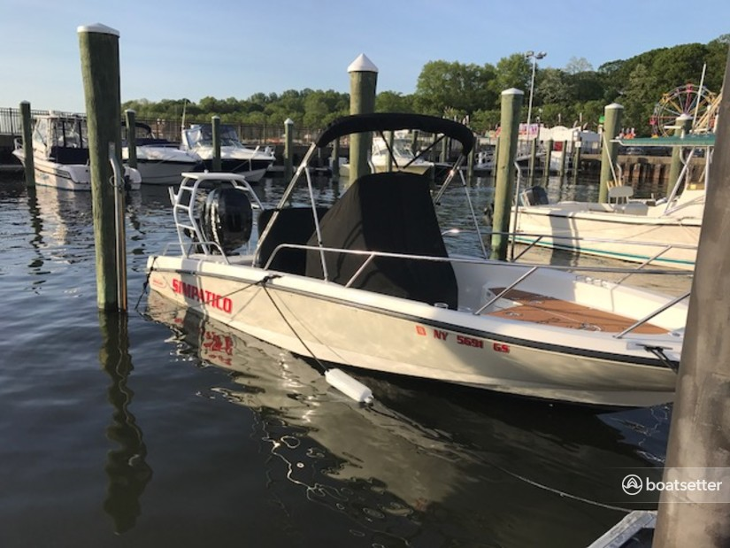 Rent a Boston Whaler center console in Bayville, NY near me