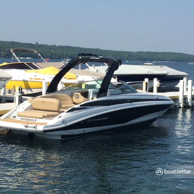 Rent a Crownline bow rider in Lake Geneva, WI near me