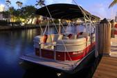 22 ft. Encore Bentley Bentley Encore 220 Cruise Cruiser Boat Rental Miami Image 5