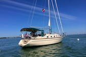 38 ft. Island Packet Yachts Island Packet 370 Cruiser Boat Rental Miami Image 4