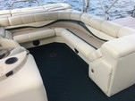 20 ft. Bennington Marine 2080LX Pontoon Boat Rental Boston Image 4
