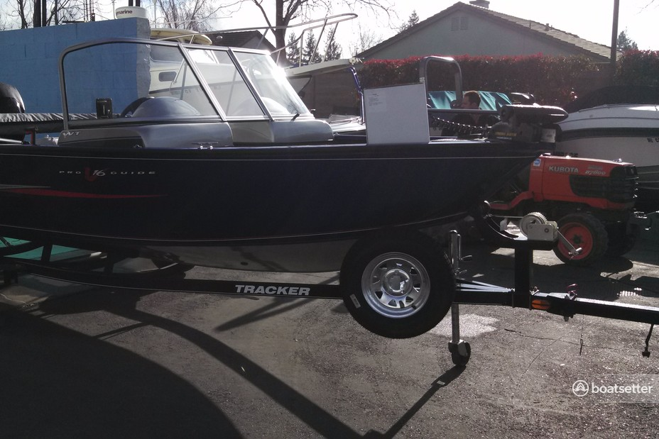 Rent a Tracker by Tracker Marine aluminum fishing in El Dorado Hills, CA near me