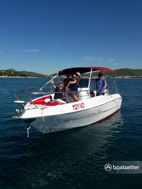 Rent a BLULINE 21 motor yacht in Vodice, Šibensko-kninska županija near me