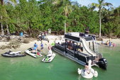 27 ft. Avalon Pontoons 27' Paradise Funship Pontoon Boat Rental Miami Image 10