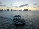 27 ft. Avalon Pontoons 27' Paradise Funship Pontoon Boat Rental Miami Image 11