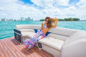 27 ft. Avalon Pontoons 27' Paradise Funship Pontoon Boat Rental Miami Image 14