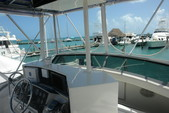 34 ft. Bertram Flybridge Cruiser Offshore Sport Fishing Boat Rental Cancún Image 4