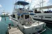 34 ft. Bertram Flybridge Cruiser Offshore Sport Fishing Boat Rental Cancún Image 6